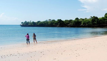 pantai tangsi feature