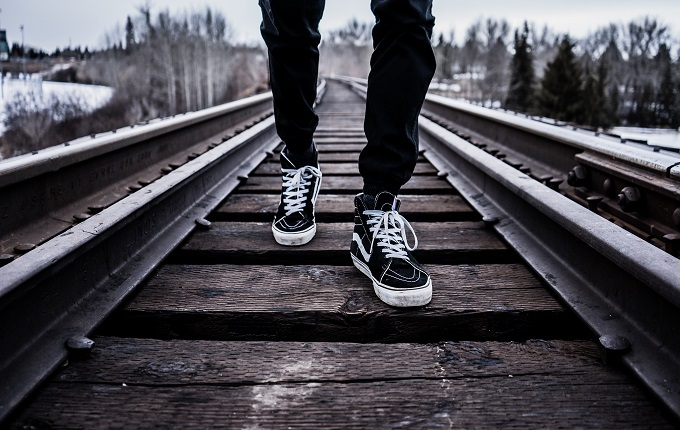 Dalam urusan bergaya memang harus sesuai dengan usia Bung yang Memakai Streetwear Masih Bisa Terlihat Dewasa, Asal …