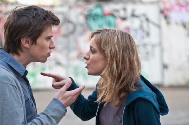 Bersitegang dalam ruang lingkup pasangan tak jarang terjadi sebab perbedaan sifat Dalam Hal Memandang Hubungan, Bung dan Nona Punya Pendapat yang Tak Seragam