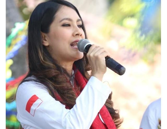 Pada dasarnya panggung politik memang bebas dimiliki siapa saja Para Perempuan Rupawan yang Siap Bertarung di Panggung Politik 2019
