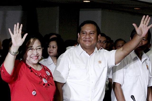 melaksanakan aneka macam macam aktivitas dan keputusan secara seragam Ketika Bung Pilih Jokowi dan si Nona Pilih Prabowo (Atau Sebaliknya)
