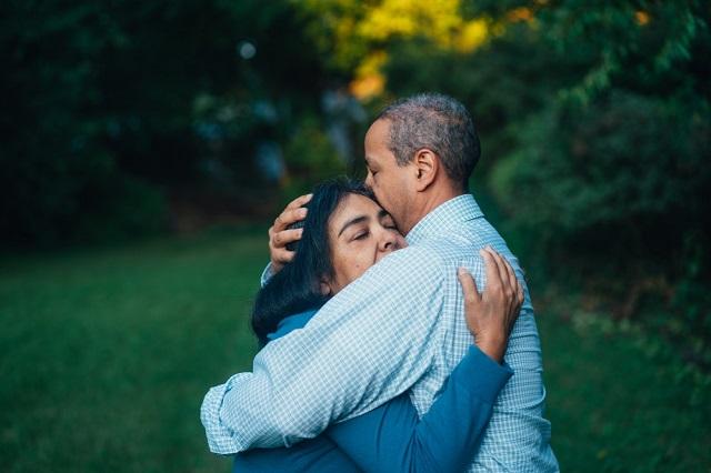 dua manusia dalam satu rumah tangga memang bukan hal gampang Memasuki Usia 10 Tahun Pernikahan, Banyak Hal yang Dulunya Dilakukan Mulai Menghilang