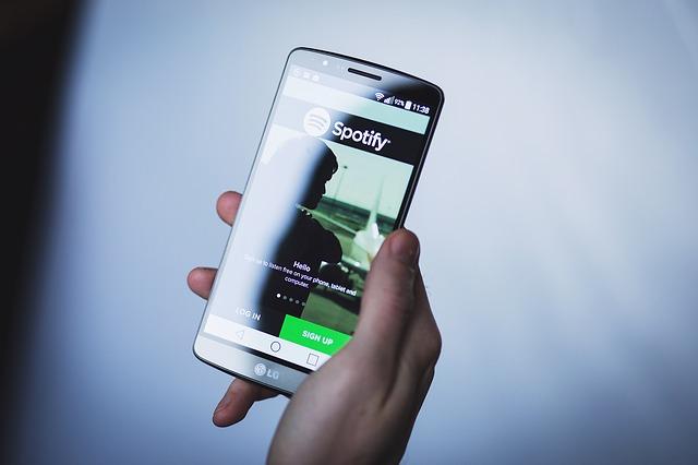 Para pengguna gawai brand Huawei niscaya sedang merana Nasib Merana Bung yang Pengguna HP Huawei