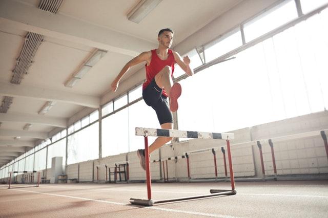 Sebenarnya jikalau bung ada rasa cita-cita untuk olahraga tapi terpatok waktu atau kesibukan Bung Harus Mulai Berlari Saat Ini Juga