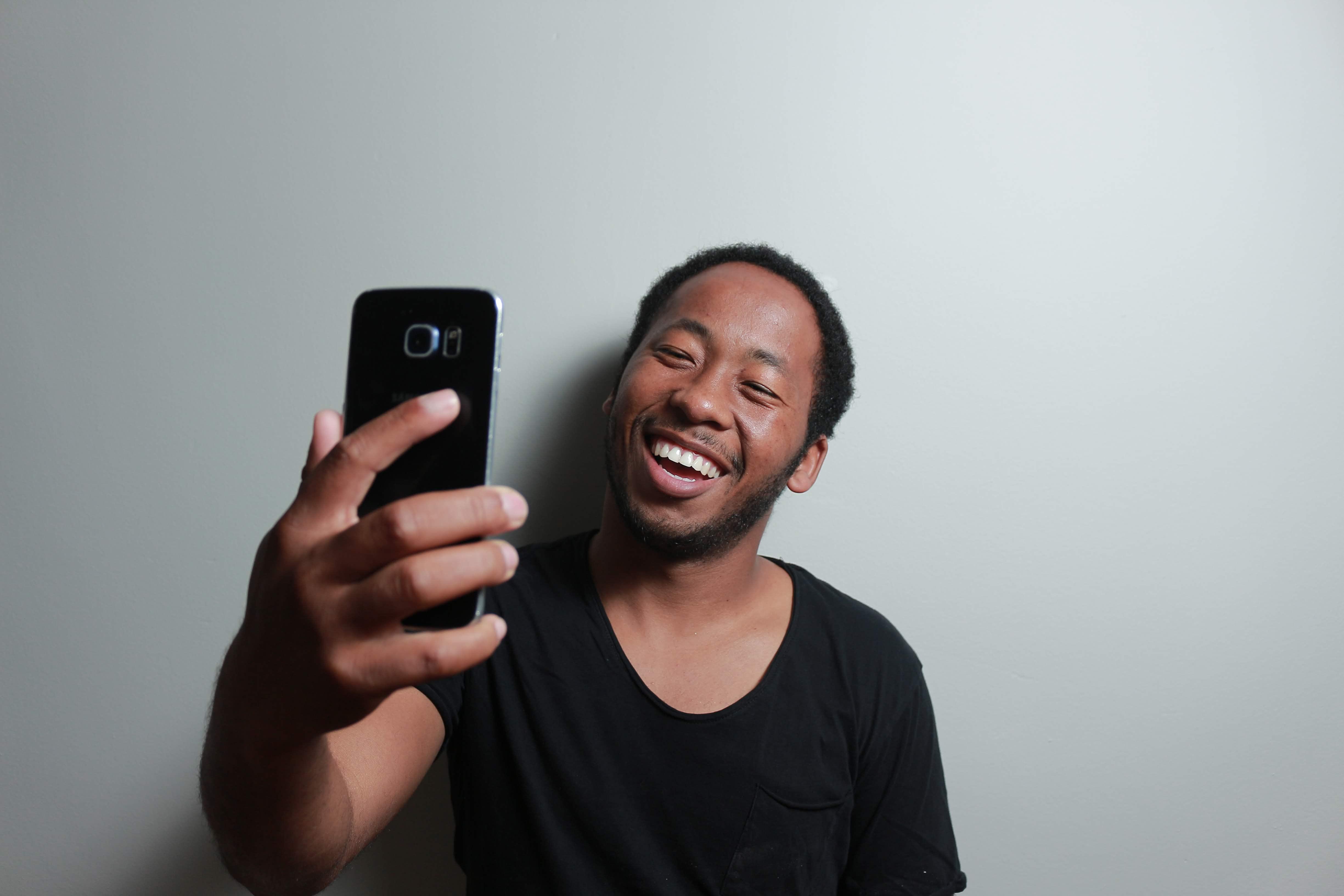 apalagi dengan bermacam-macam gaya biar terlihat menarik Kalau Bung Masih Ngotot Ingin Selfie Baiknya di Momen Ini