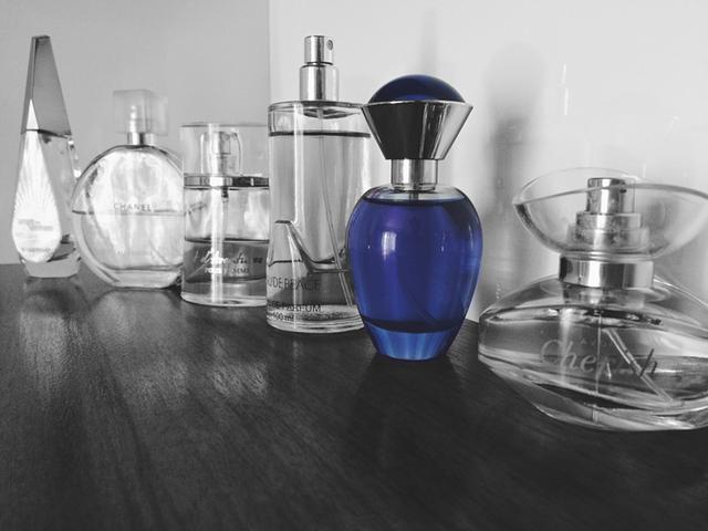 Memiliki tubuh yang wangi menambah daya tarik kepada lawan jenis Bung Mesti Bedakan Jenis Wewangian, Dari Parfum, Perfume, Toilette, Cologne dan Eau Fraiche