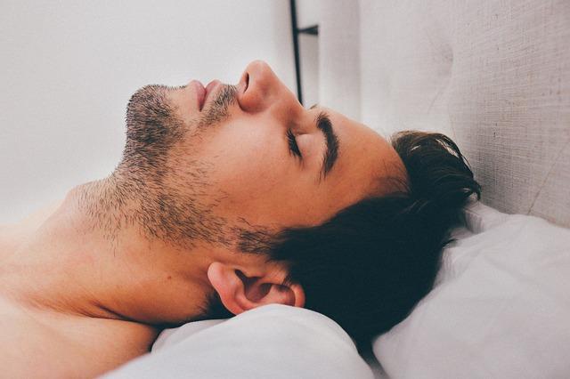 Ternyata rasa cemas itu sanggup dipengaruhi lewat kebiasaan yang dilakukan sebelum tidur Kecemasan Bisa Terjadi Karena Kebiasaan Sebelum Tidur di Malam Hari