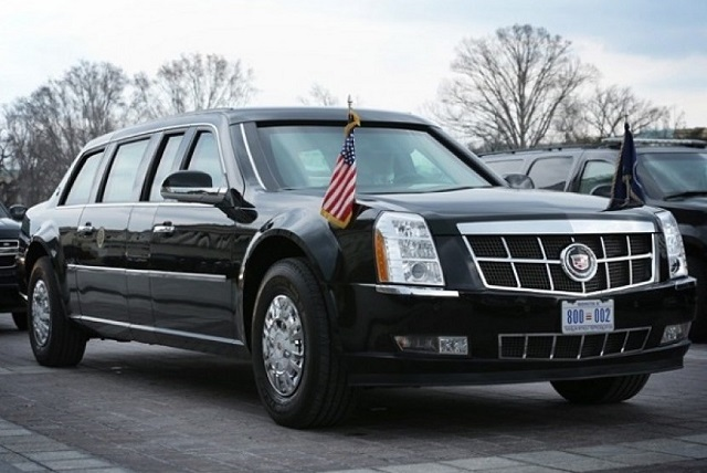 iringan presiden ketika berkunjung ke suatu kawasan Bung Penasaran Kenapa Para Presiden dan Raja Mobil-Mobilnya Berwarna Hitam?